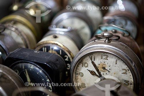 Detalhe de despertadores na Colônia Italiana do Mergulhão  - São José dos Pinhais - Paraná (PR) - Brasil