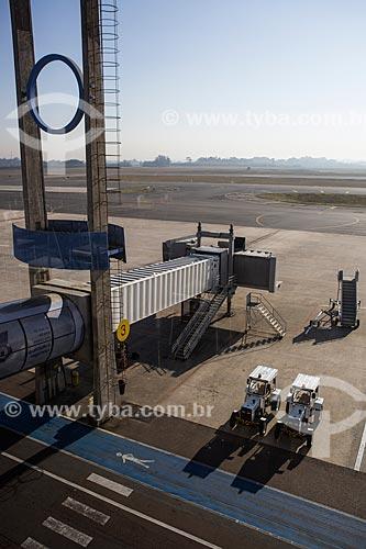 Finger na pista do Aeroporto Internacional Afonso Pena - também conhecido como Aeroporto Internacional de Curitiba  - São José dos Pinhais - Paraná (PR) - Brasil