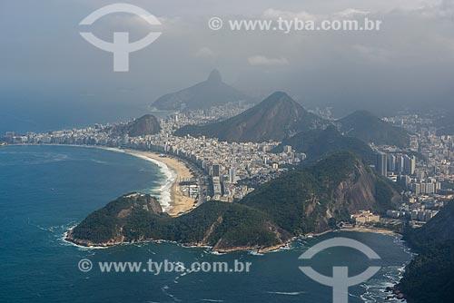Foto aérea da Praia do Leme e Praia de Copacabana durante sobrevoo à cidade do Rio de Janeiro  - Rio de Janeiro - Rio de Janeiro (RJ) - Brasil