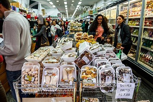 Produtos à venda no bairro da Liberdade  - São Paulo - São Paulo (SP) - Brasil