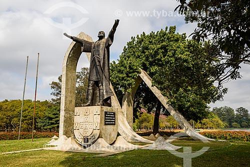 Detalhe da escultura à Pedro Alvares Cabral (1988) no Parque do Ibirapuera  - São Paulo - São Paulo (SP) - Brasil