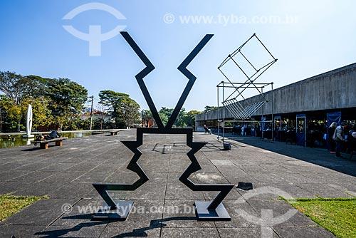 Jardim do Museu Brasileiro da Escultura (MuBE)  - São Paulo - São Paulo (SP) - Brasil