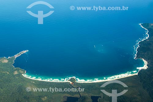 Foto aérea do Parque Estadual Marinho do Aventureiro com - da esquerda para a direita - a Ponta do Tacunduba, Praia do Leste, Praia do Sul e o Praia do Aventureiro  - Angra dos Reis - Rio de Janeiro (RJ) - Brasil