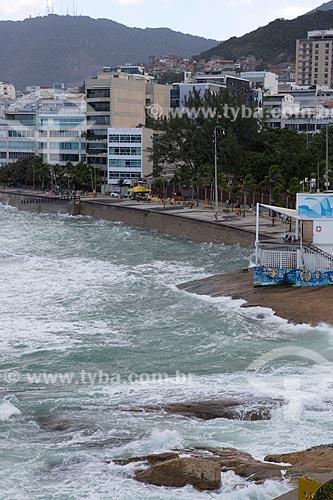Ressaca na Praia do Arpoador  - Rio de Janeiro - Rio de Janeiro (RJ) - Brasil