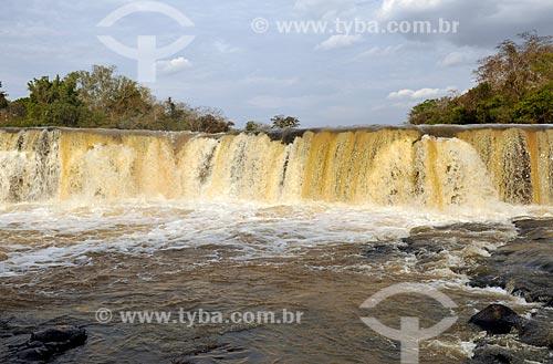 Cachoeira do Talhadão no Rio Turvo  - Palestina - São Paulo (SP) - Brasil