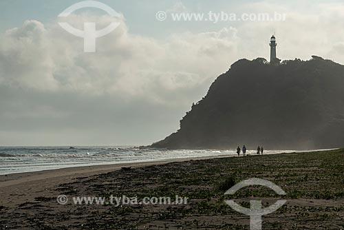 Praia do Farol com Farol das Conchas ao fundo - Ilha do Mel  - Paranaguá - Paraná (PR) - Brasil