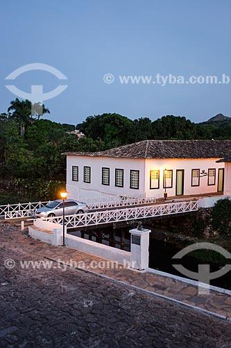 Vista da Avenida Sebastião Fleury Curado com Museu Casa de Cora Coralina - casa em que a escritora Cora Coralina viveu  - Goiás - Goiás (GO) - Brasil