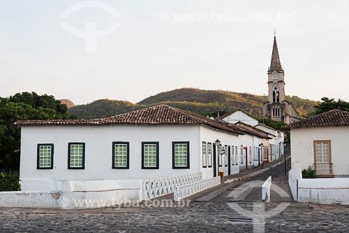 Vista da Avenida Sebastião Fleury Curado com Museu Casa de Cora Coralina e a Igreja de Nossa Senhora do Rosário dos Pretos (1930) ao fundo  - Goiás - Goiás (GO) - Brasil