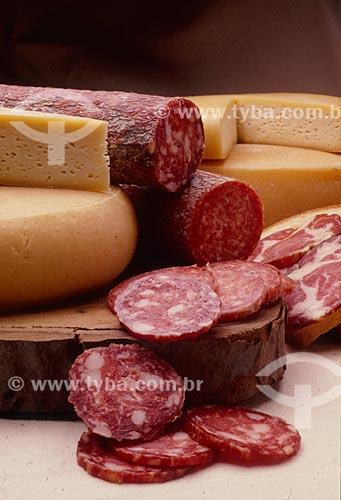 Detalhe de salame italiano e queijo de colônia  - Canela - Rio Grande do Sul (RS) - Brasil