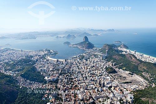 Foto aérea do bairro de Botafogo com o Pão de Açúcar ao fundo  - Rio de Janeiro - Rio de Janeiro (RJ) - Brasil