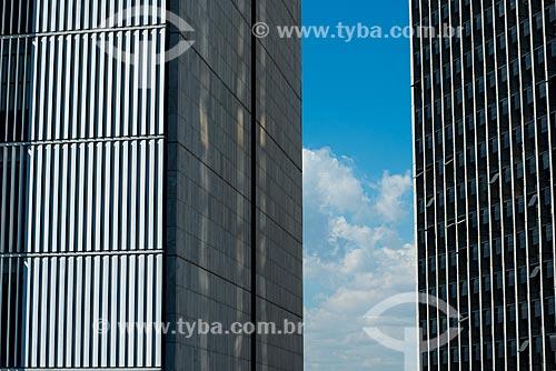 Fachada do Edifício Barão de Mauá - edifício sede da Companhia Vale do Rio Doce - à esquerda - Palácio Austregésilo de Athayde (1979) - à direita  - Rio de Janeiro - Rio de Janeiro (RJ) - Brasil