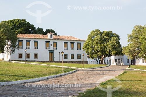 Vista do Museu das Bandeiras (1766) - antiga Cadeia e Câmara Municipal - a partir da Praça Doutor Brasil Caiado - também conhecida como Praça do Chafariz  - Goiás - Goiás (GO) - Brasil