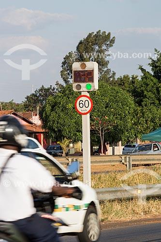 Radar para fiscalização eletrônica de velocidade na Rodovia Jayme Câmara (GO-070)  - Goiânia - Goiás (GO) - Brasil