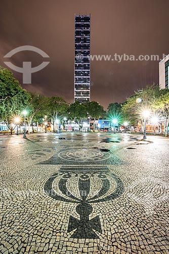 Calçamento em Pedra Portuguesa na Praça Tiradentes com o Edifício Garagem Centro Paulista ao fundo  - Rio de Janeiro - Rio de Janeiro (RJ) - Brasil