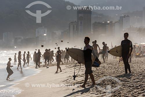 Banhistas na orla da Praia de Ipanema  - Rio de Janeiro - Rio de Janeiro (RJ) - Brasil
