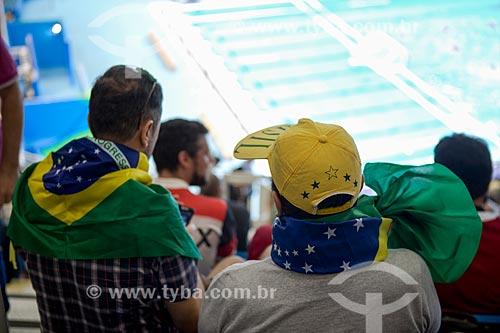 Detalhe de torcedor no Centro Olímpico de Esportes Aquáticos - parte do Parque Olímpico Rio 2016  - Rio de Janeiro - Rio de Janeiro (RJ) - Brasil