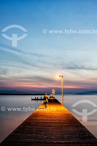 Costeira do Pirajubaé ao anoitecer  - Florianópolis - Santa Catarina (SC) - Brasil