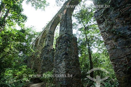 Arcos do Aqueduto do Lazareto (1893) próximo à Vila do Abraão  - Angra dos Reis - Rio de Janeiro (RJ) - Brasil