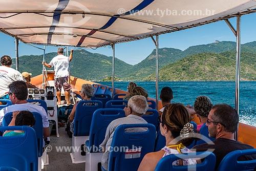 Turistas chegando de flexboat na Vila do Abraão  - Angra dos Reis - Rio de Janeiro (RJ) - Brasil