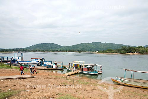 Barcos ancorados próximo ao encontro das águas do Rio Fresco e Rio Xingu  - São Félix do Xingu - Pará (PA) - Brasil