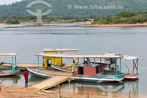 Barcos ancorado próximo ao encontro das águas do Rio Fresco e Rio Xingu  - São Félix do Xingu - Pará (PA) - Brasil