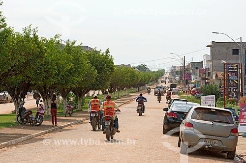 Tráfego de motocicletas na Avenida Rio Xingu  - São Félix do Xingu - Pará (PA) - Brasil
