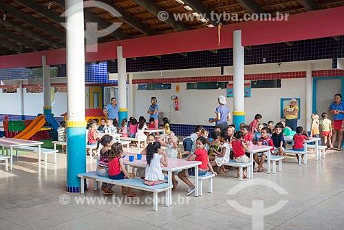 Crianças no refeitório da Creche Municipal da cidade de Tucumã  - Tucumã - Pará (PA) - Brasil