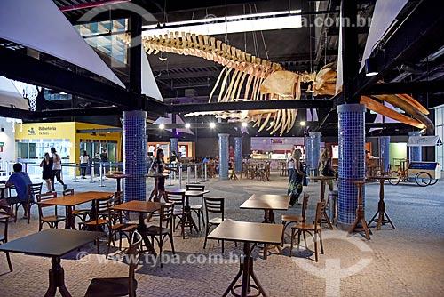 Interior do AquaRio com detalhe de esqueleto de baleia Jubarte (Megaptera novaeangliae) na entrada do AquaRio - aquário marinho da cidade do Rio de Janeiro  - Rio de Janeiro - Rio de Janeiro (RJ) - Brasil