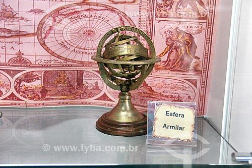 Esfera Armilar - um antigo modelo reduzido do cosmos usado como instrumento de navegação - em exibição na Casa da Memória  - Vila Velha - Espírito Santo (ES) - Brasil