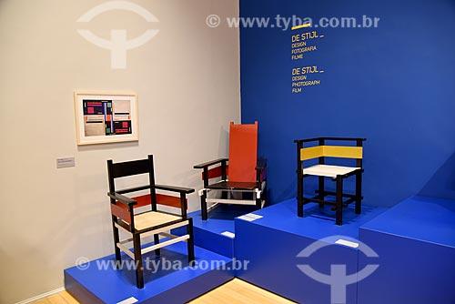 Móveis em exibição - durante exposição de Piet Mondrian no Centro Cultural Banco do Brasil   - Rio de Janeiro - Rio de Janeiro (RJ) - Brasil