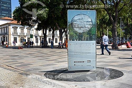 Monumento à primeira foto na América do Sul - retrata o Paço Imperial feita em 17 de janeiro de 1840 por Louis Comte  - Rio de Janeiro - Rio de Janeiro (RJ) - Brasil
