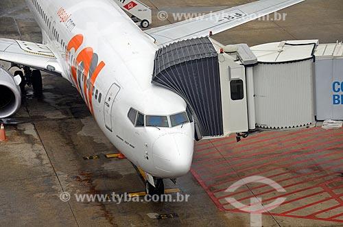 Avião da GOL - Linhas Aéreas Inteligentes - na pista do Aeroporto Internacional Antônio Carlos Jobim  - Rio de Janeiro - Rio de Janeiro (RJ) - Brasil