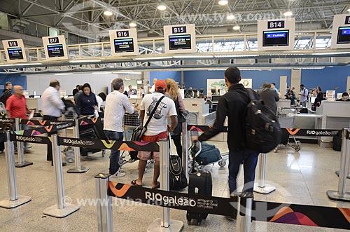 Fila da área de embarque do Aeroporto Internacional Antônio Carlos Jobim  - Rio de Janeiro - Rio de Janeiro (RJ) - Brasil
