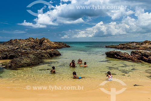 Banhistas na Praia da Barra  - Salvador - Bahia (BA) - Brasil