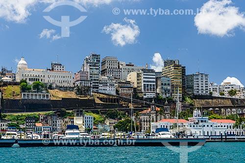 Vista da cidade alta a partir da Baía de Todos os Santos  - Salvador - Bahia (BA) - Brasil