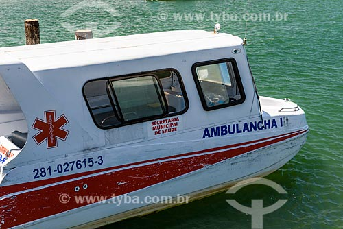 Barco ambulância atracada no porto da Vila de Velha Boipeba  - Cairu - Bahia (BA) - Brasil