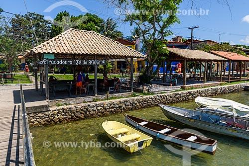 Barcos atracados no porto da Vila de Velha Boipeba  - Cairu - Bahia (BA) - Brasil