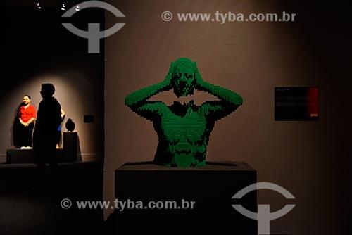 Torso Verde (Green Torso) - 8.990 peças - Exposição - Art Of The Brick - de esculturas de blocos de LEGO do artista Nathan Sawaya no Museu Histórico Nacional  - Rio de Janeiro - Rio de Janeiro (RJ) - Brasil