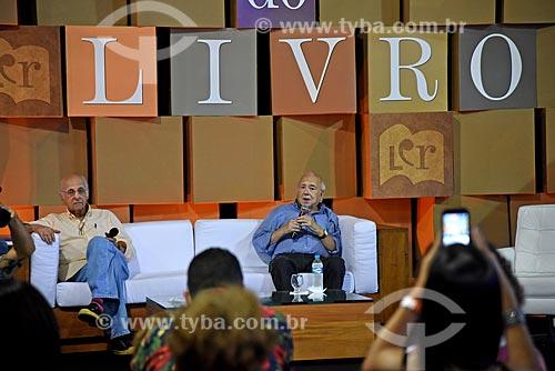 Escritores Zuenir Ventura e Luiz Fernando Verissimo no Salão Carioca do Livro  - Rio de Janeiro - Rio de Janeiro (RJ) - Brasil