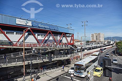 Trânsito na Rua Carolina Machado e Estação de trens de Madureira  - Rio de Janeiro - Rio de Janeiro (RJ) - Brasil