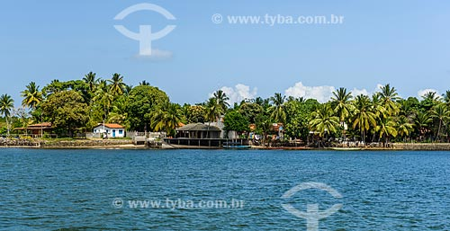 Vista da Praia de taipús de dentro a partir da Baía de Camamu  - Maraú - Bahia (BA) - Brasil