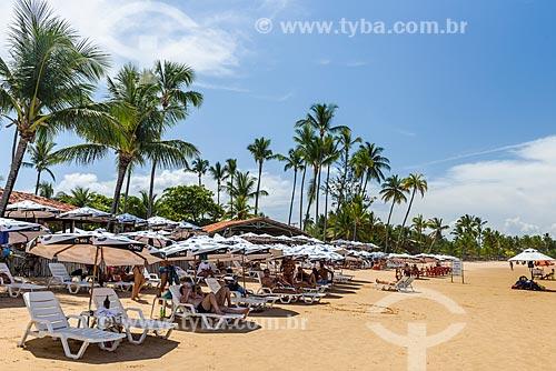 Banhista na Praia de taipús de fora  - Maraú - Bahia (BA) - Brasil