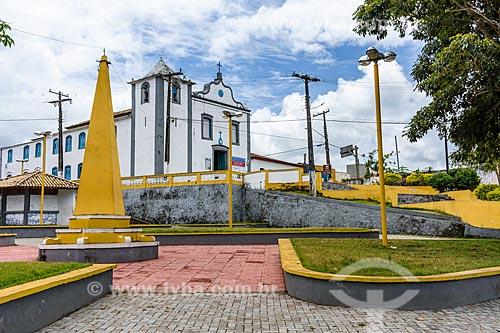 Vista da Igreja de São Miguel Arcanjo (1723) a partir da Praça São Miguel Arcanjo  - Itacaré - Bahia (BA) - Brasil