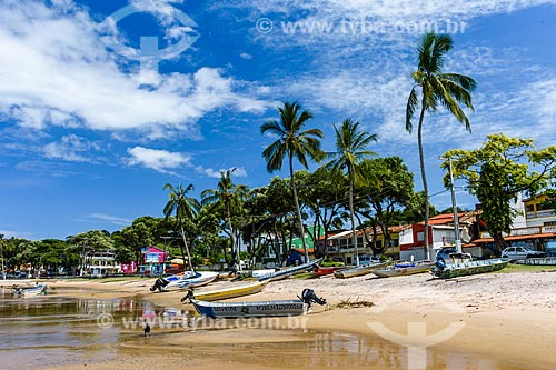 Canoas na orla do Rio de Contas  - Itacaré - Bahia (BA) - Brasil