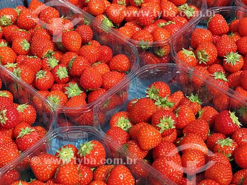 Caixas de morango à venda no Albert Cuyp Markt  - Amsterdam - Holanda do Norte - Holanda