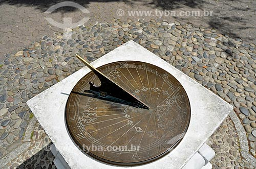 Relógio de sol (1781) localizado no Companys Garden  - Cidade do Cabo - Província do Cabo Ocidental - África do Sul