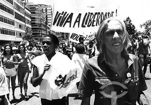 Ferreira Gullar na Avenida Vieira Souto durante manifestação da Campanha das Diretas Já  - Rio de Janeiro - Rio de Janeiro (RJ) - Brasil
