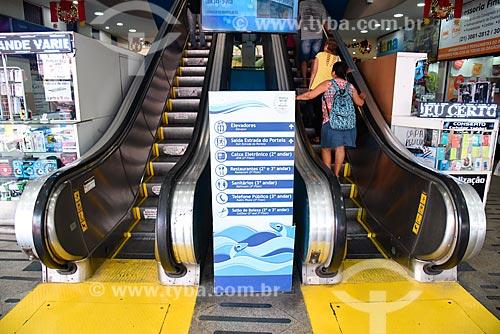 Escada rolante do Shopping São Luíz - também conhecido como Shopping dos Peixinhos  - Rio de Janeiro - Rio de Janeiro (RJ) - Brasil