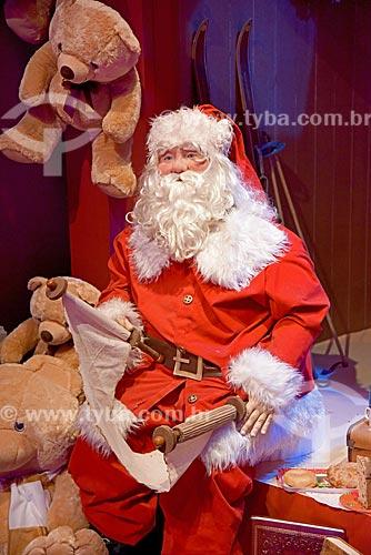 Boneco de Papai Noel na exposição Uma Aventura de Natal - no Armazém 2 do Cais da Gamboa  - Rio de Janeiro - Rio de Janeiro (RJ) - Brasil