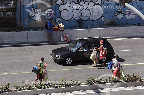 Vendedores ambulantes na Zona Portuária  - Rio de Janeiro - Rio de Janeiro (RJ) - Brasil